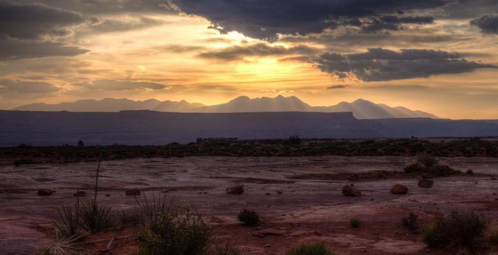 Couché de soleil sur les Montagnes de La Sal , USA