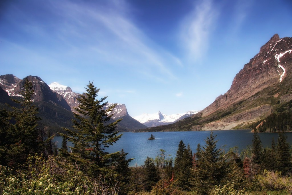 Glacier National Park and its altitude lakes-Planet Ride