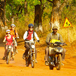 planet-ride-voyage-burkina-faso-mobylette-groupe-piste