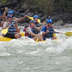 Rafting sur la Chico River, lors de votre voyage aux Philippines à moto avec Planet Ride et Philippe