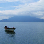 planet-ride-voyage-guatemala-moto-lac-pecheur-montagne