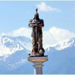planet-ride-voyage-au-kirghizistan-en-4x4-statue-guerrier-montagne