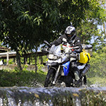 planet-ride-voyage-guatemala-moto-motard-eau-jungle