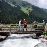 planet-ride-voyage-au-kirghizistan-en-4x4-altyn-arashan