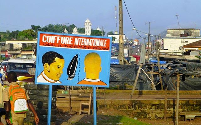 planet-ride-voyage-burkina-faso-mobylette-ouagadougou-coiffeur-affiche
