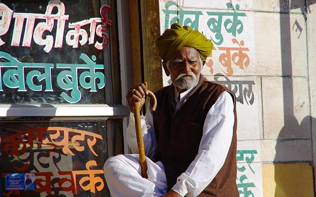 planet-ride-voyage-inde-moto-rajasthan-homme-rajasthani