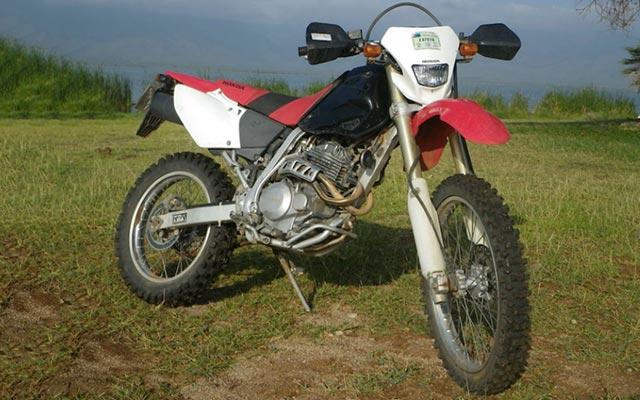 Moto Honda 250 XR, pour votre voyage au Kenya à moto avec Planet RIde et Fred