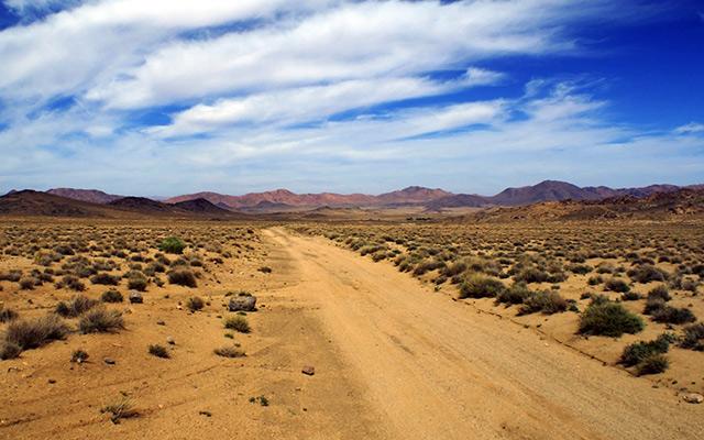 planet-ride-voyage-maroc-4x4-piste-sable-montagne-aride