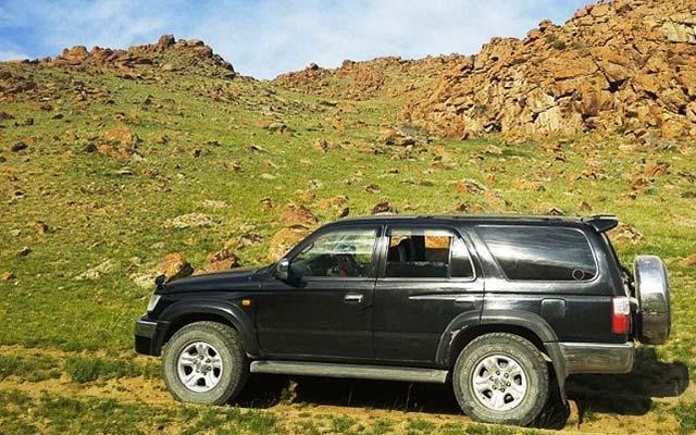 Votre Hilux, lors de votre voyage en Mongolie en 4x4 avec Planet Ride et Chukao