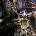 planet-ride-voyage-moto-bhoutan-monastere-takshang-falaise-paro