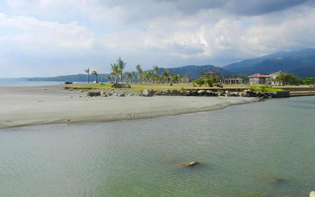 À Bataan, lors de votre voyage aux Philippines à moto avec Planet Ride et Philippe