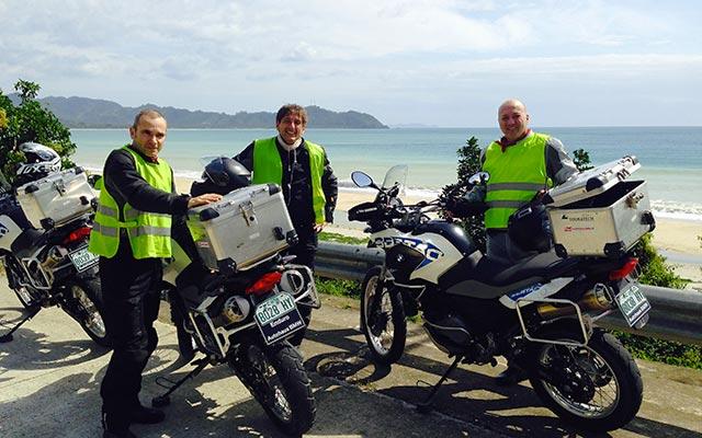Route de littoral, lors de votre voyage aux Philippines à moto  avec Planet Ride et Philippe