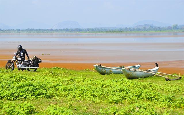 Voyage au Sri Lanka à moto avec une agence de voyage locale