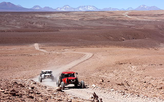 planet-ride-voyage-chili-buggy-course-atacama-desert-montagnes