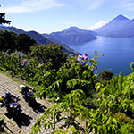 planet-ride-voyage-guatemala-moto-lac-atiltan