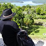 planet-ride-voyage-guatemala-moto-yaxha-pyramide-panoram-lac