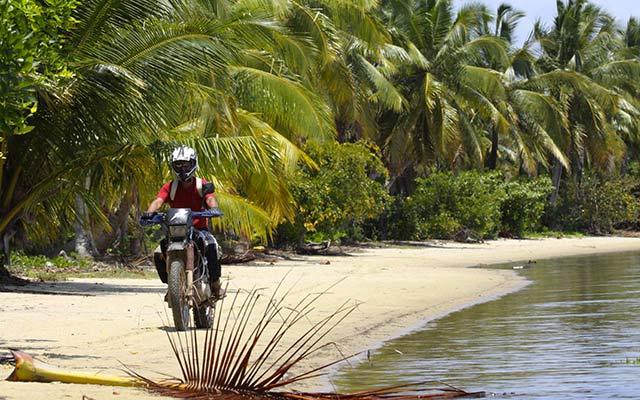Voyage à Madagascar à moto avec une agence de voyage locale