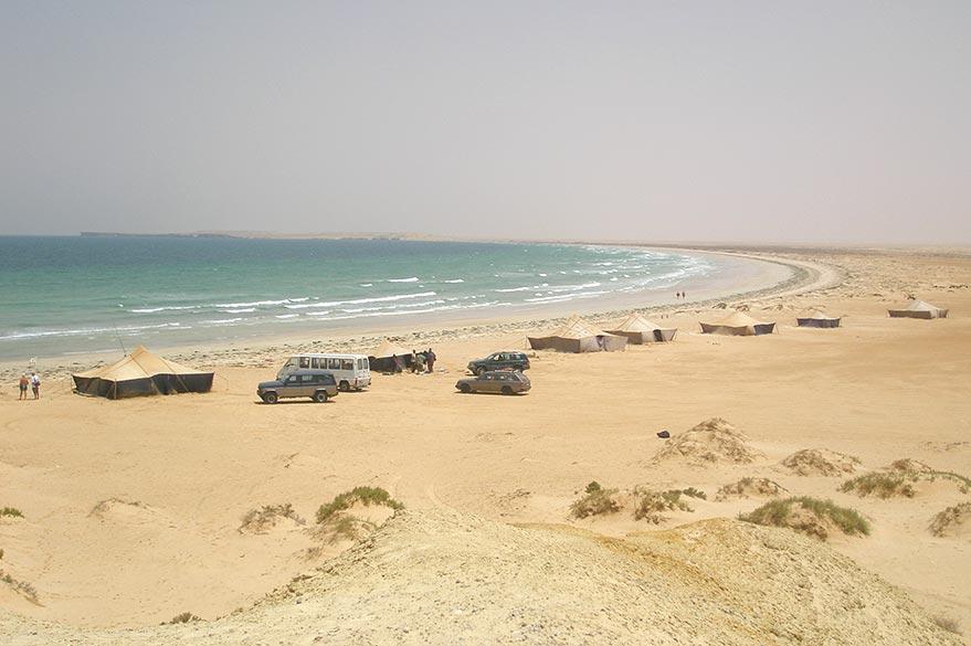 Camp Nomade au Banc d'Arguin, lors de votre voyage en Mauritanie en 4x4 avec Guy et Planet Ride