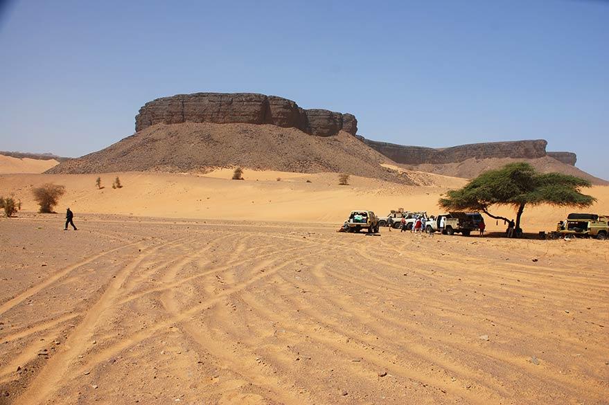 En 4x4 dans le Sahara mauritanien, lors d'un voyage avec Guy et Planet Ride