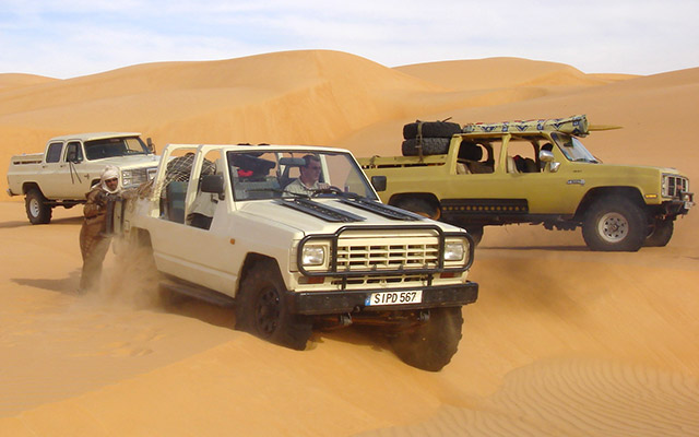 Vos 4x4 modifiés pour affronter le Sahara, lors de votre voyage en Mauritanie en 4x4 avec Planet Ride et Guy