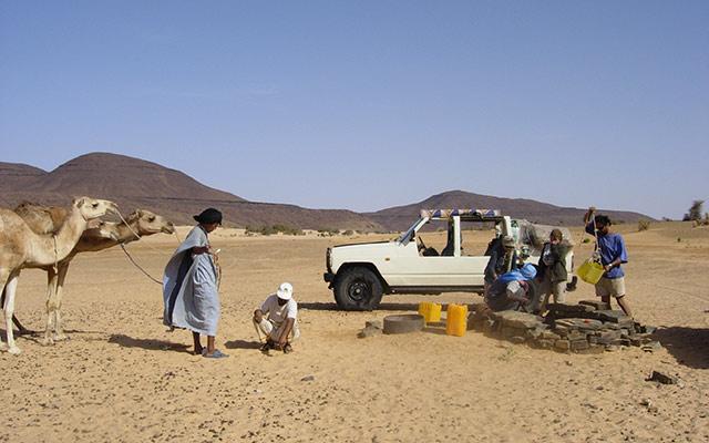 planet-ride-voyage-mauritanie-4x4-puit-nomades-sahara-desert-dromadaires