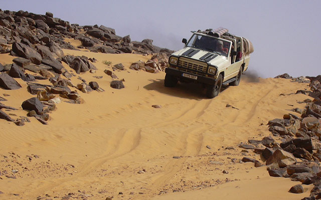 planet-ride-voyage-mauritanie-4x4-sable-pierres-desert-sahara