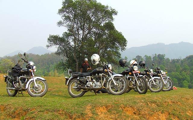 Motos Royal Enfield lors de votre voyage au Népal à moto avec Planet Ride