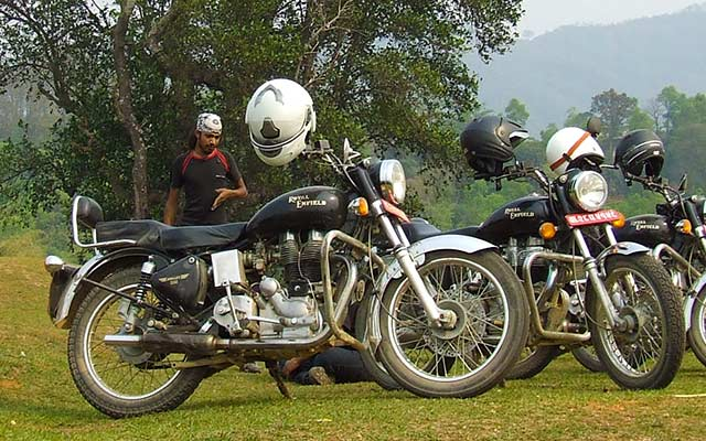 Votre Royal Enfield Bullet, lors de votre voyage au Népal à moto avec Planet Ride et Ophélie