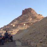 planet-ride-voyage-tunisie-buggy-montagne-desertique-roche-village-