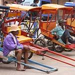 Tuk-tuk à Tananarive, lors de votre voyage à Madagascar à moto avec Planet Ride et Jean