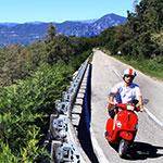 À Garda, lors de votre voyage en Italie en Vespa avec Planet Ride et Roberta