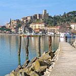 Au Lac Trasimène, lors de votre voyage en Italie en Vespa avec Planet Ride et Roberta
