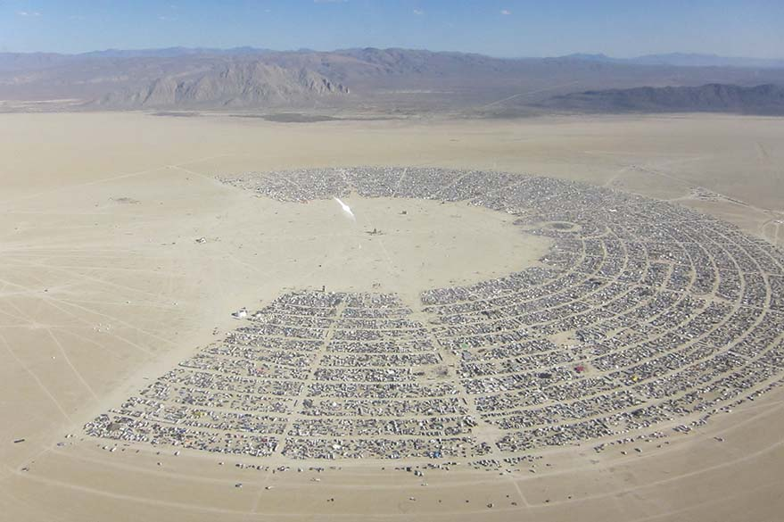 Vue de Black Rock City, la ville éphémère du Burning Man
