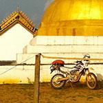Temple, lors de votre voyage au Laos à moto avec Planet Ride et Charly