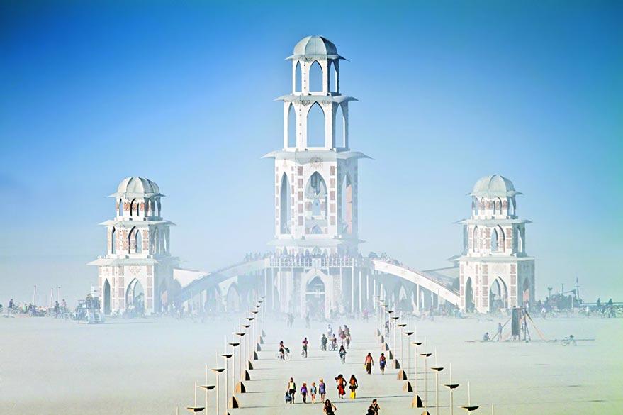 Les installations du Burning Man dans l'Esplanade