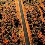 Sur une route de l'outback, lors de votre circuit en australie en camping car