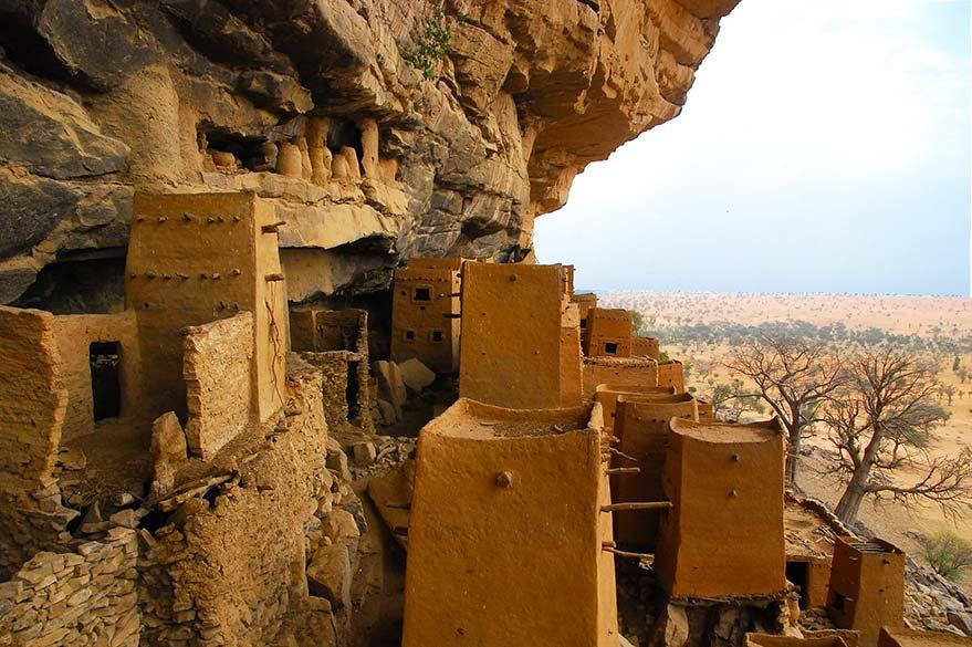 Vue sur la falaise mythique du Pays Dogon, au Mali