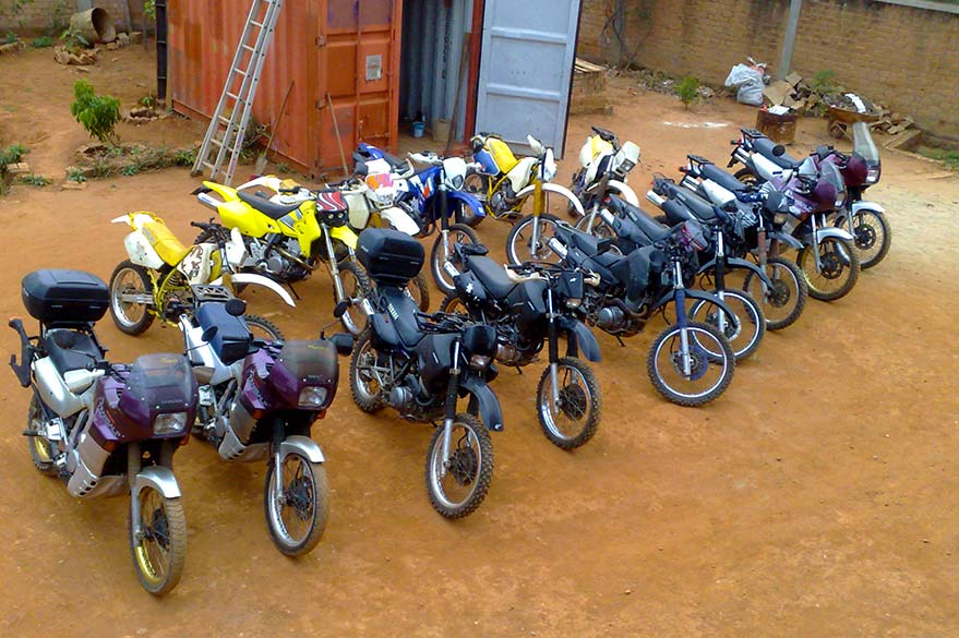 The motorcycles of Jean in Madagascar: The Honda, Suzuki and Yamaha of your motorcycle trip with Planet Ride