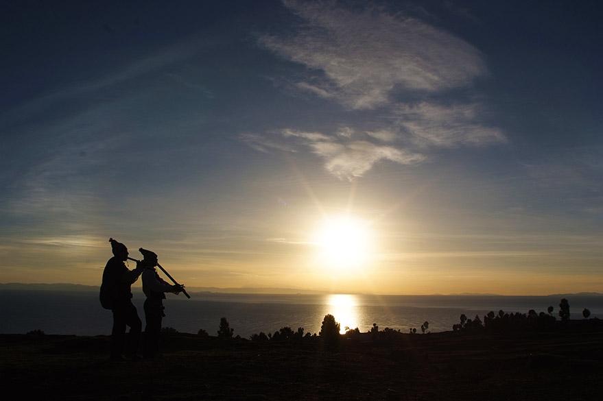 Au Lac Titicaca au Pérou, en voyage 4x4 au Pérou avec Laurent et Planet Ride