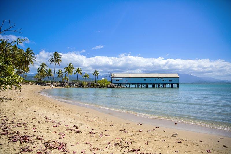 Les plages du Cairns en Australie, à découvrir en famille en camping-car avec Planet Ride et Fabrice