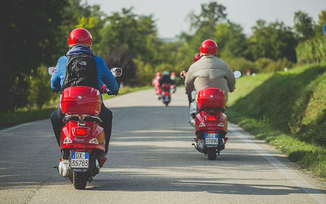 On the road for your trip in Italy on a Vespa with Planet Ride and Roberta
