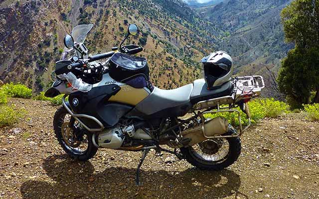 BMW R1200 GS, lors de votre voyage au Portugal à moto avec Planet Ride et João