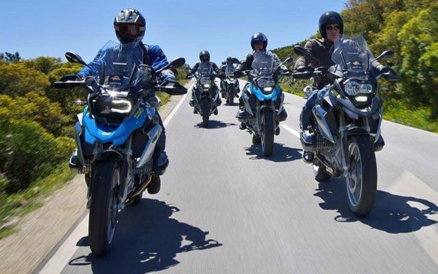 Motards en BMW GS, en voyage au Portugal à moto avec Planet Ride et João