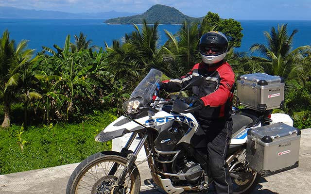 Voyage aux Philippines à moto avec une agence de voyage locale