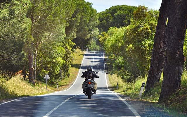 Sur la route, lors de votre voyage à moto au Portugal avec Planet Ride