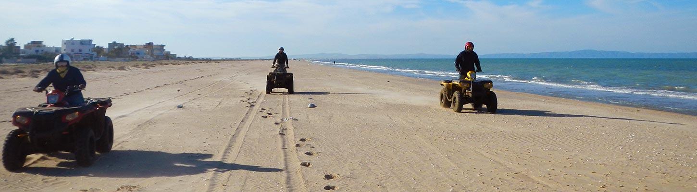 Ride sur la plage, lors de votre voyage en Tunisie en quad avec Planet Ride et Angela