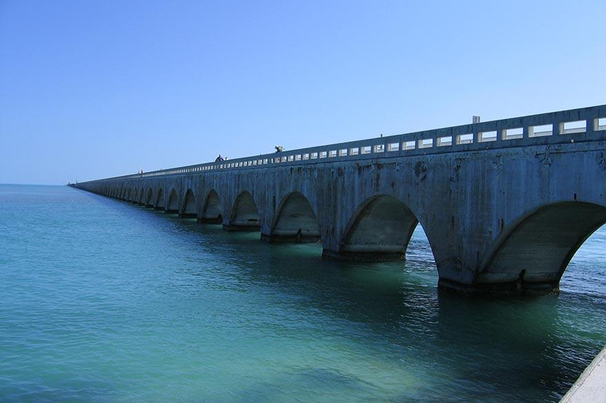 Le Seven Mile Bridge dans l'archipel de Keys, au sud de la Floride.