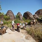 dômes de Fabédougou lors de votre voyage en moto enduro au burkina faso avec Planet Ride