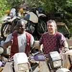Equipe de Guillaume lors de votre voyage au Burkina Faso avec Planet Ride en mot enduro