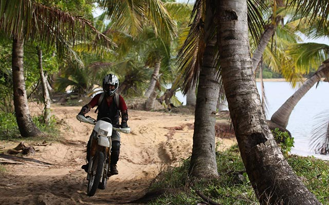 Planet Ride : Voyage à moto à Madagascar